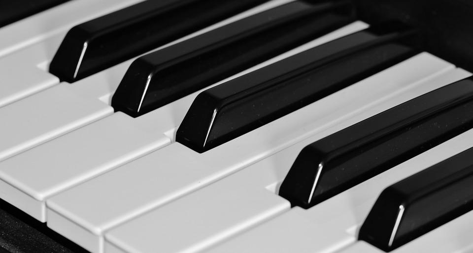 家にピアノが必要!電子ピアノでも