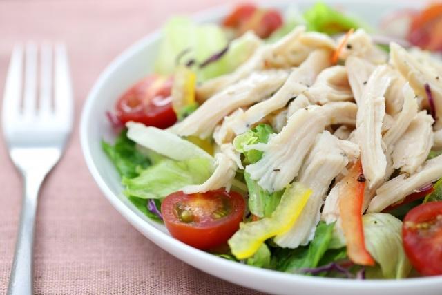 チキンサラダはバランスが良いのでおすすめレシピですよ!
